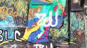 Mur taggé en provenance d'un film documentaire sur l'art de la rue réalisé par des collégiens