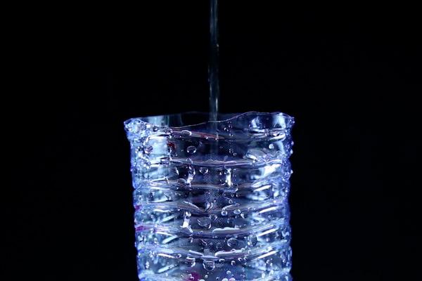 L'eau empoisonnée - Projet photo/vidéo avec des 3e du collège Germaine Tillon (12e) dans le cadre de Tous pour le Climat !