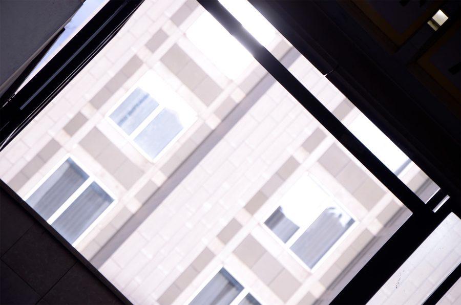 La ville est vivante – 5. Les illuminés : le soleil arrive, il est source de vie, il réchauffe et illumine bâtiments et habitants